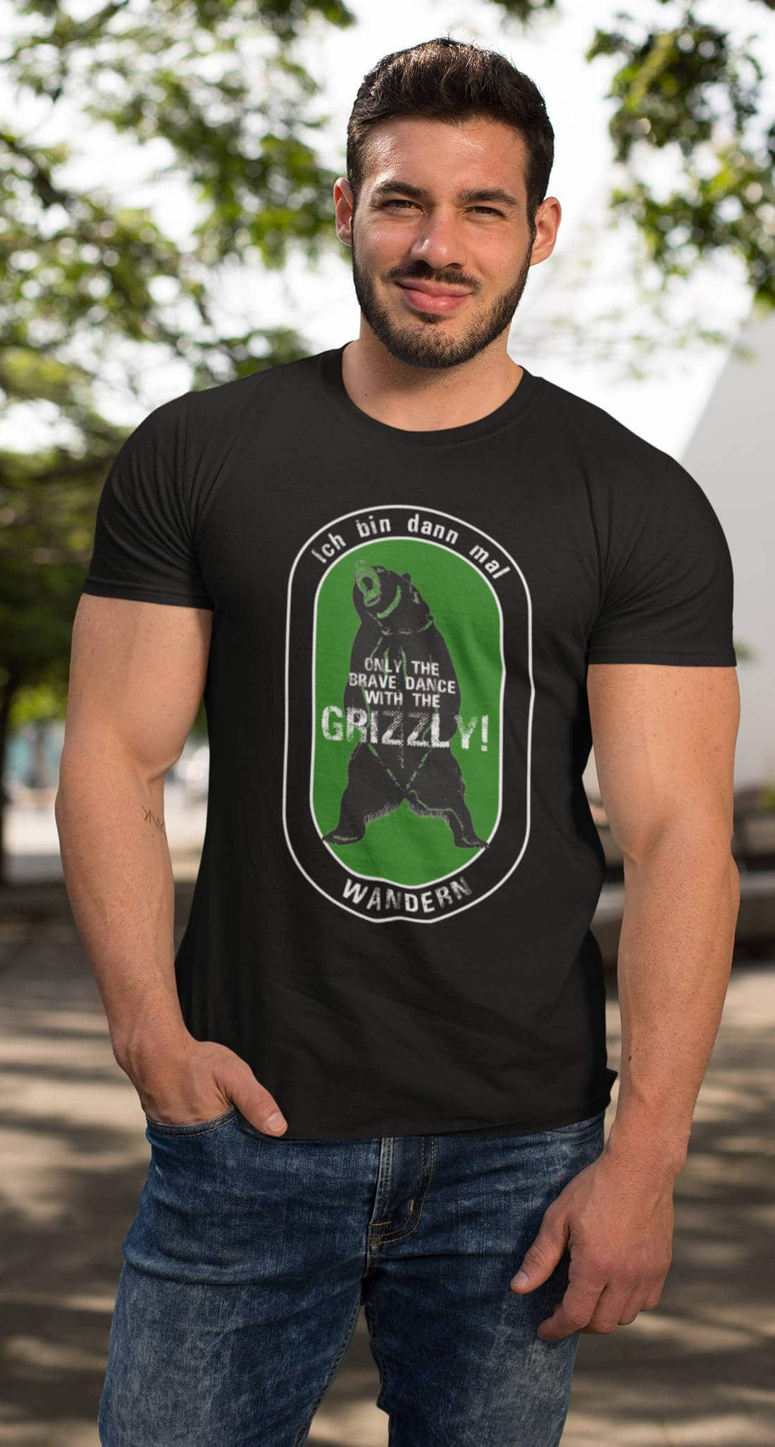 Wandern_T-Shirt_green_Dance with the Grizzly