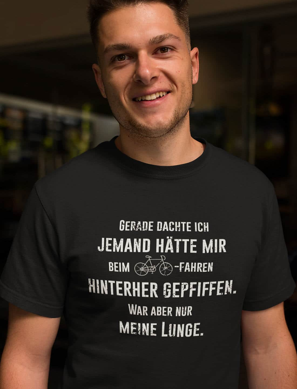 Fahrrad-T-Shirt-Lunge-pfeift