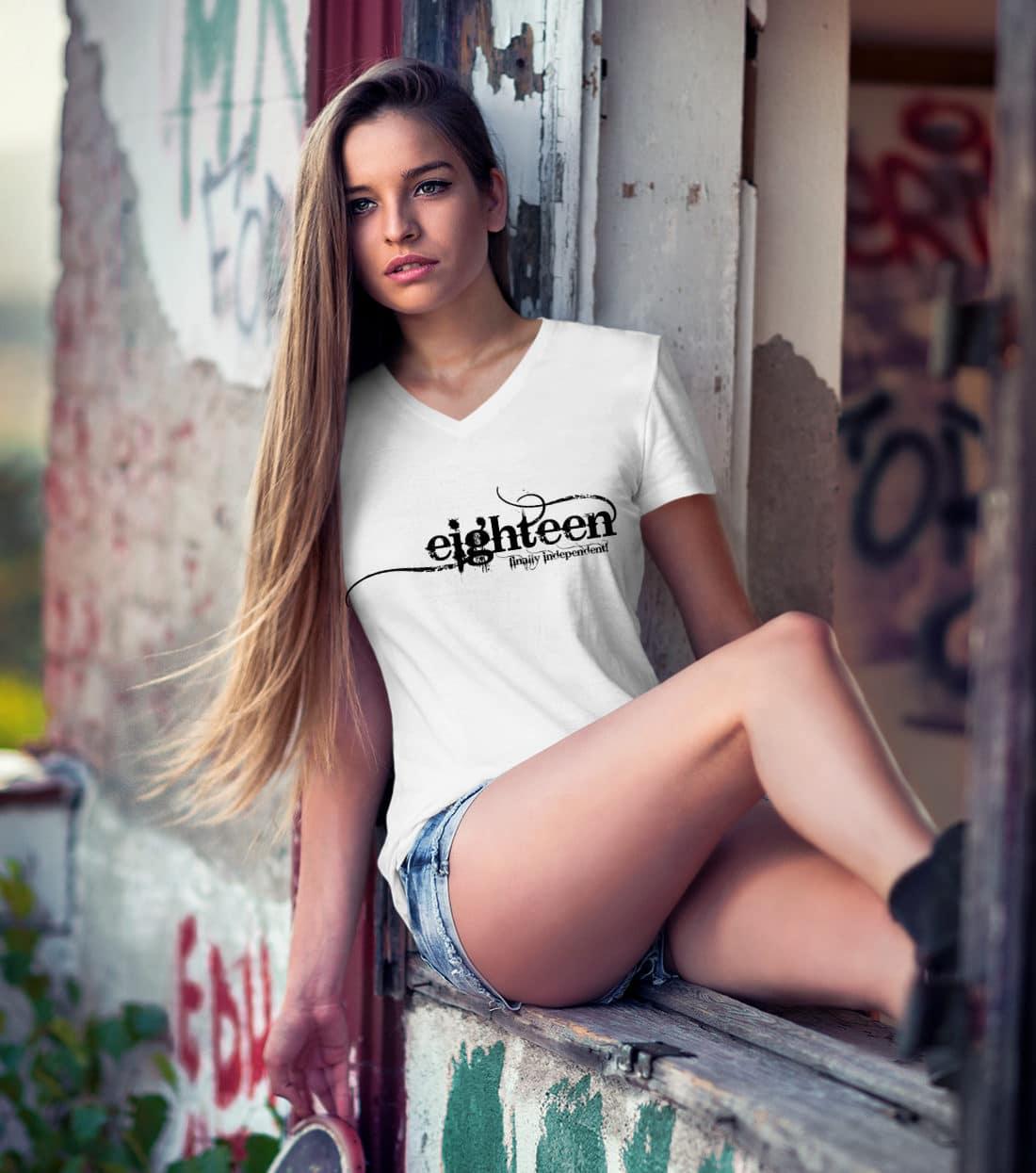 T-Shirt-18-Geburtstag-eighteen-finally-independent