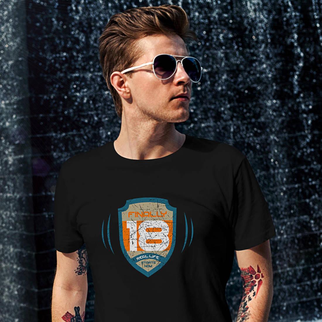 T-Shirt-18-Geburtstag-Space-Crest